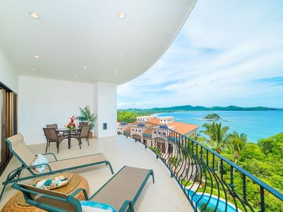 Photo for Dramatic Ocean Views, 2 Pools, Flamingo