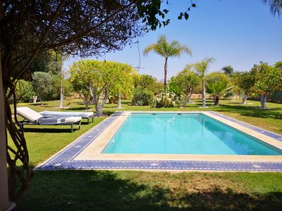 Photo for Luxurious villa of 120m2, large pool, large plot, not overlooked