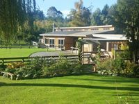 The location was amazing, a tranquil and relaxing space with native bush,...