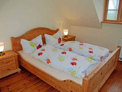 Photo for 02 Holiday apartment with lake view - Holiday apartments on the Reddevitzer Hövt with lake view