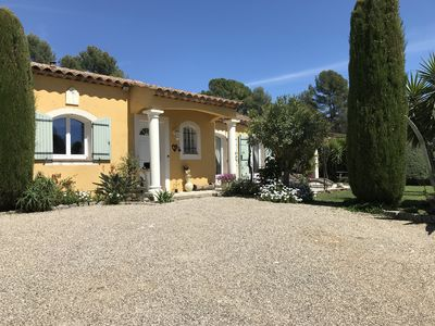 Photo for Provencal house with sea view quiet pool