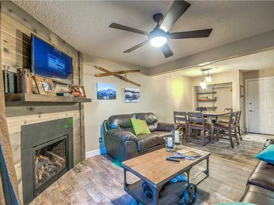Photo for Fantastic Summer Rates - Beautifully Upgraded Mountain Condo With Outdoor Hot Tub!