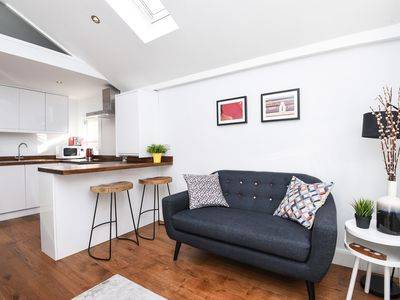 Photo for Contemporary studio flat close to Battersea Park