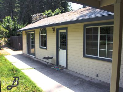 Photo for Grass Valley-Mercury Drive Guesthouse