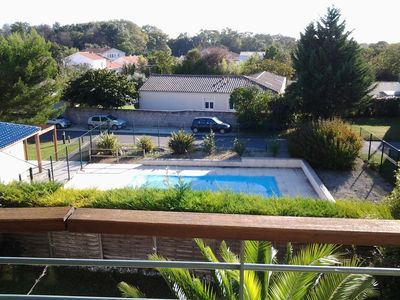 Photo for T2 apartment overlooking the pool