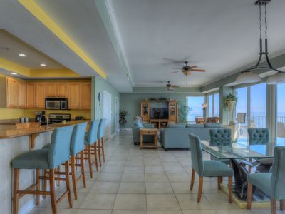 Photo for Luxurious 5 Bedroom Penthouse Right On The Gulf – Plenty of Room for Everyone