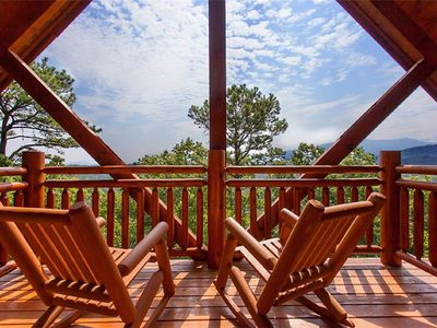 Photo for Modern cabin with wooded and Great Smokey Mountain views!
