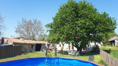 Photo for Gîte Sous le tilleul with above ground pool!