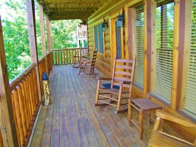 Photo for 'Bear Down' Sevierville 4BR Upscale Cabin!