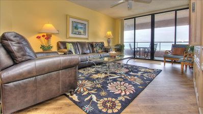 Sunny Oceanfront with Incredible View in Amenity Laden Crescent Beach Club!