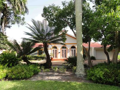 Photo for Best location of Naples, within walking distance to downtown and the beach