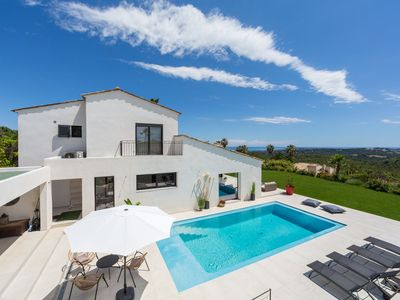 Photo for Beautiful air-conditioned family villa panoramic sea view