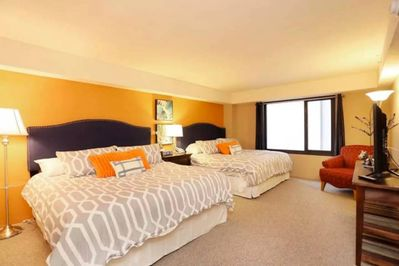 Double Extra-Comfortable KING Beds In Bedroom 1