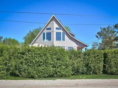 Photo for 106 Birchview Trail- Vaulted Ceilings, Floor to Ceiling Windows+ Hot tub- Fall Fun!