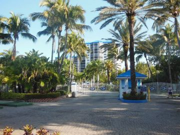 Ocean Harbor (Fort Myers Beach, Florida, United States)
