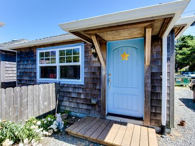 Photo for Serene dog-friendly cottage just blocks from the beach & main drag!