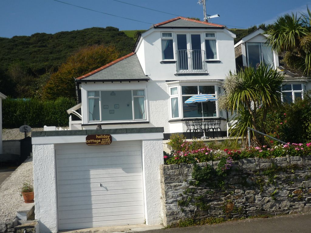sea breeze cottage by the beach at looe homeaway rh homeaway co uk