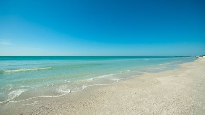 Photo for 2 Bed/2 Bath and Best Rates on Bradenton Beach! Summertime Loving!