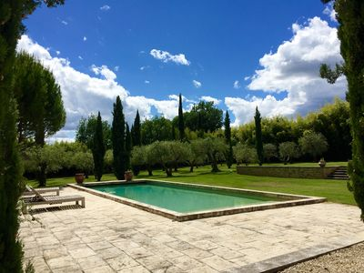Photo for House with fenced garden (pets allowed) between Lourmarin and Cadenet