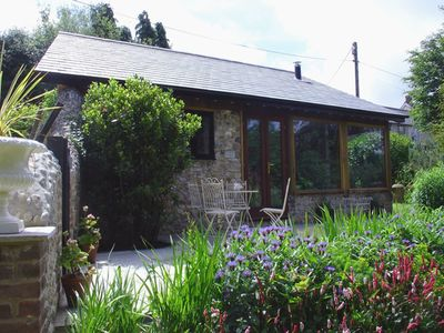 Photo for PUFFIN COTTAGE, pet friendly in Hawkchurch, Ref 976035