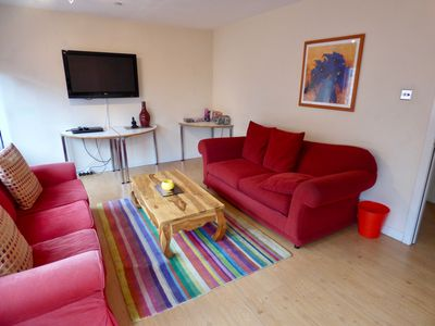 Photo for The Westbridge Apartment - Free wifi & Parking, Walk to city centre & subway