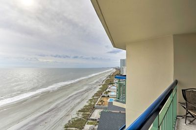 The condo has 1 bedroom, 1.5 bathrooms, sleeps 6, and looks out over the ocean!
