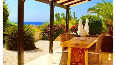 Luxurious Coral Bay Villa with Private Pool, Sea & Mountain Views Great Location