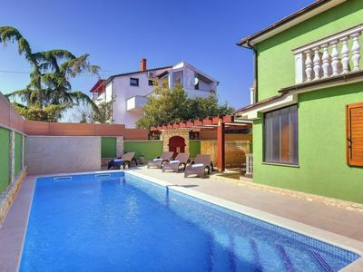 Photo for Vacation home HOUSE KIKI in Pula - 6 persons, 3 bedrooms
