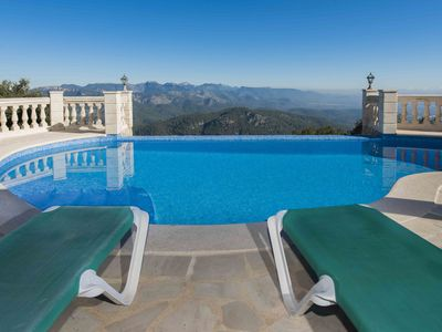 Photo for House with infinity pool for 10 px in paradise