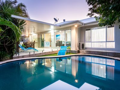 Photo for 5 bedrooms, pool, close to beach, shops, tram and Broadbeach!