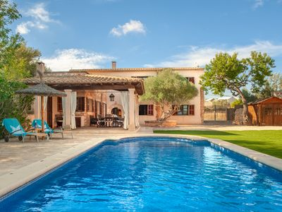 Photo for Romantic townhouse in Llombards with pool and garden