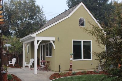 Welcome to The Fig Tree Cottage in Land Park