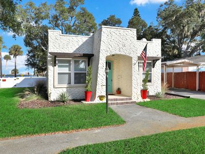 Riverfront, dog- friendly home close to Daytona Beach attractions!