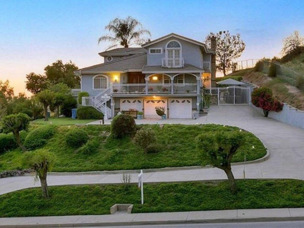 Mabc 4 Beds 3 Bath Comfy Mansion In La Verne It Is Not Entire House Rent Bonita