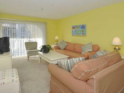 Photo for Nice beach decor, sleeps 9, with outdoor pool!