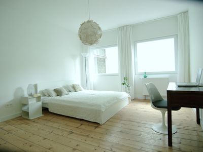 Photo for Quiet and central: stylish 2-room apartment, Sternschanze, Altona, St. Paul