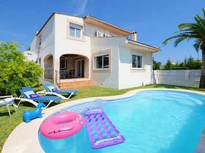Photo for Holiday villa for 8 people, modern and comfortable furnishings, pool, air conditioning