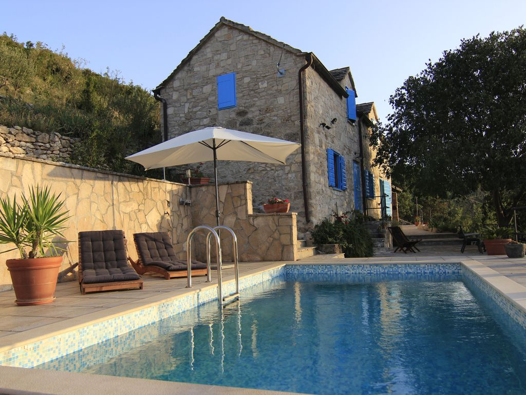 Villa dol 200 year old mediterranean stone house for Mediterranean stone houses