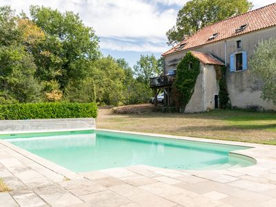 Photo for Lavish Holiday Home in Puy-l'Évêque with Private Pool and Views