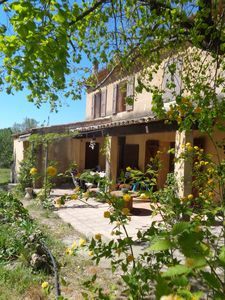 Photo for Authentic Provencal farmhouse, 4 bedrooms, 9 people