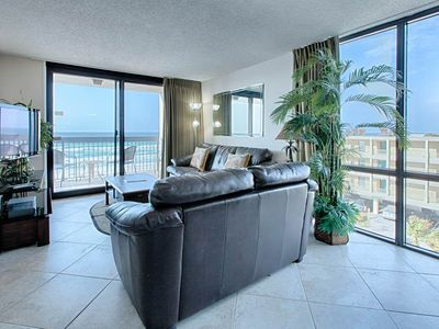 Photo for Comfortable Unit, On-site pools with splash pad, Restaurant with bar, On the beach