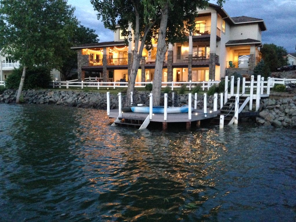 Lakefront large home with wonderful lake and mountain - Mountain view swimming pool loveland ...