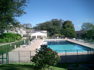 Photo for Resort nr Newquay with 3 pools, gym, tennis, golf, soft play, bar & restaurant