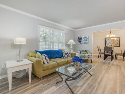 Photo for Beautiful and spacious 4/2 close to UF