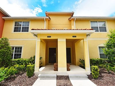 Photo for Gorgeous 4 Bed Splash Pool Townhome at Paradise Palms Resort