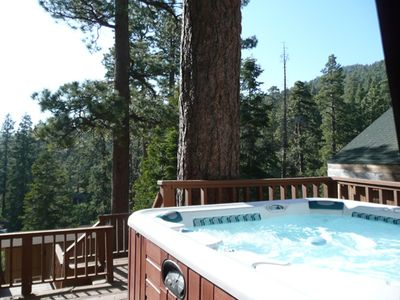 Photo for NEW UPGRADES! CLOSE to LAKE! PRIVATE HOT TUB! Walk to Captn John's Marina