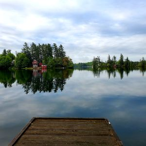 Star Lake, NY: Peaceful Lakefront Setting with Expansive Grounds