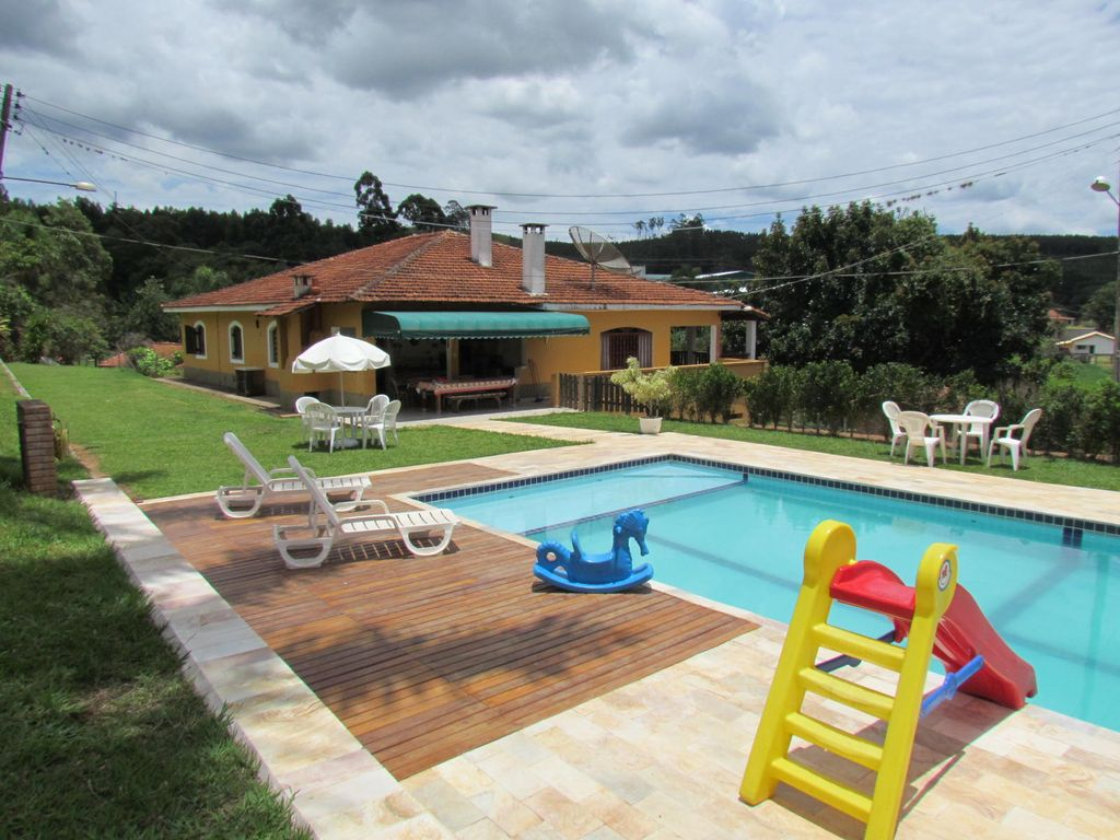 Sitio aconchegante casat rrea piscina chur homeaway for Sitio c piscina