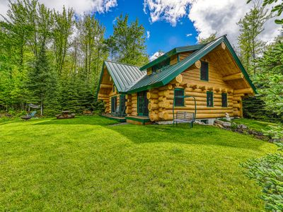 Photo for Dreamy, dog-friendly cabin home near Cannon Mountain Ski Resort!