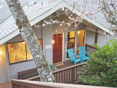 Photo for Peaceful Retreat in Eugene with Hot Tub, just 10 minutes from downtown.
